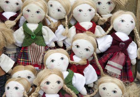 手作りの人形がたくさん