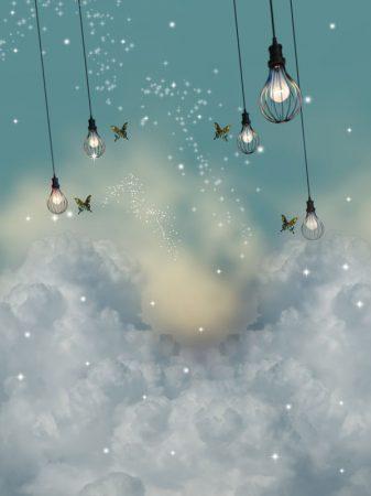 天からつり下がるランプ