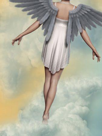 天使が雲の上を歩く