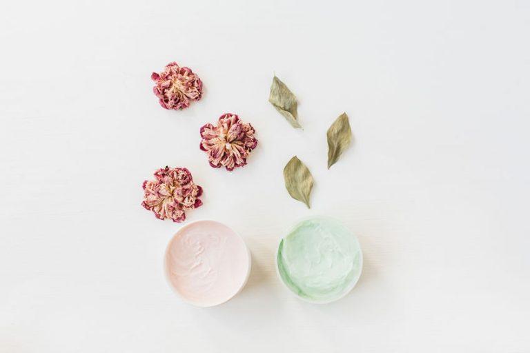 植物とクリーム