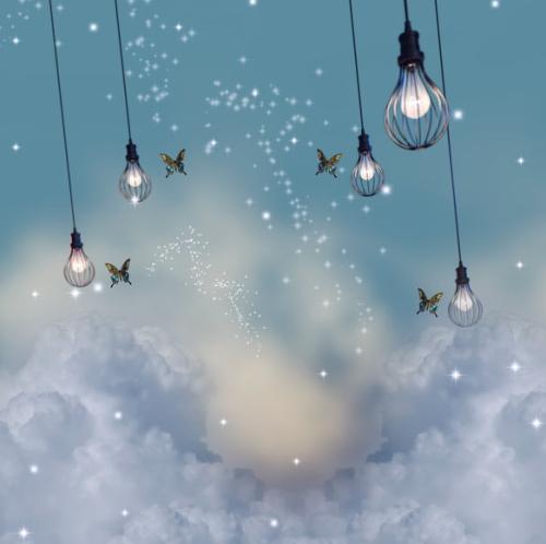 天からつり下がる電球