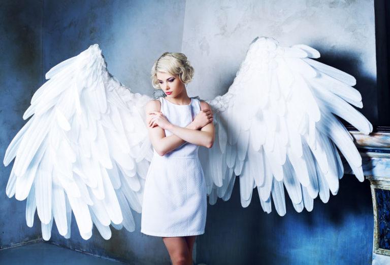 天使の姿をした少女